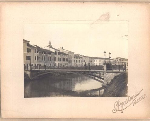 Ponte di ferro in riviera San Benedetto